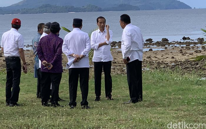 Jokowi mengatakan untuk memajukan pariwisata dan perekonomian daerah memerlukan kesinambungan dan kerja sama seluruh pihak, baik pemerintah pusat, pemerintah daerah, maupun swasta.