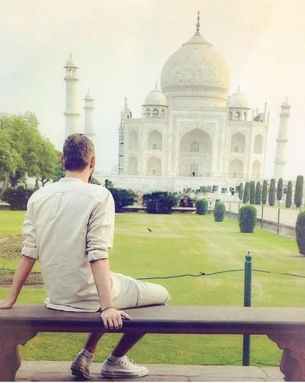 Terbang ke India, Jamie menikmati keindahan Taj Mahal yang eksotis. (Jamie Ather/BBC)