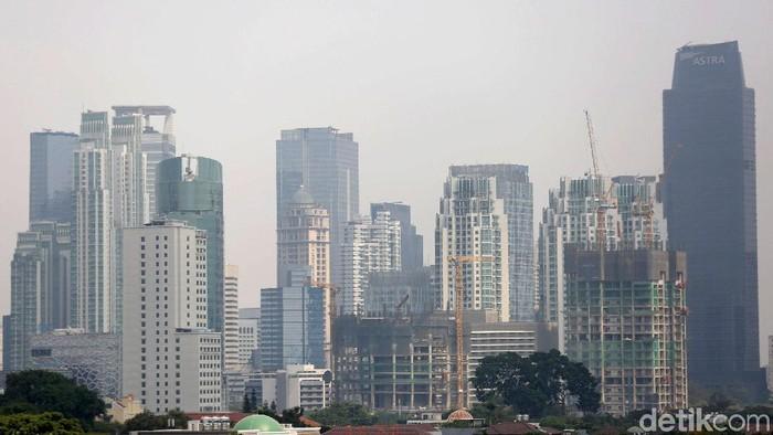 Kualitas udara Jakarta yang memburuk bisa menuakan paru-paru kita. Foto: Agung Pambudhy