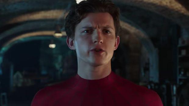 'Hawkeye' Minta Spider-Man Kembali ke Marvel