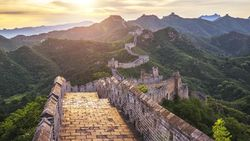Tembok Besar China Direstorasi, Turis Dilarang Masuk