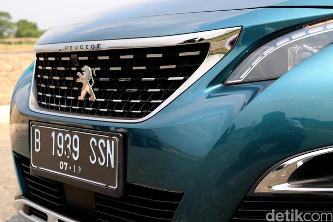 Kotor-kotoran di Tanah Bareng SUV Seharga Rp 800 Jutaan