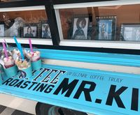 Kembali Ke Layar Kaca, Shin Min Ah Dapat Kiriman Coffee Truck dari Gong Hyo Jin