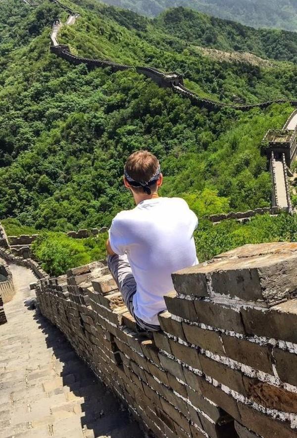 Setelah dari Brasil, Jamie melanjutkan perjalanan ke Tembok Raksasa China. (Jamie Ather/BBC)