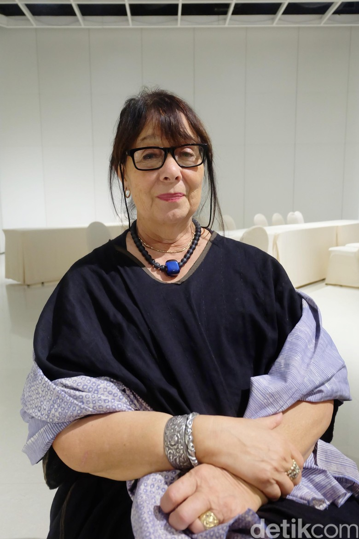 Penulis naskah teater I La Galigo Rhoda Grauer Foto: Tia Agnes/ detikHOT