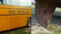 Tragis! Bocah Malaysia Tewas Usai Terjatuh dari Bus Sekolah