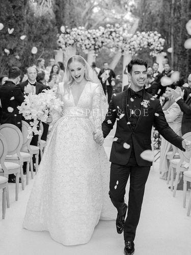 8 Fakta Sophie Turner yang Dikabarkan Hamil Anak Pertama Joe Jonas