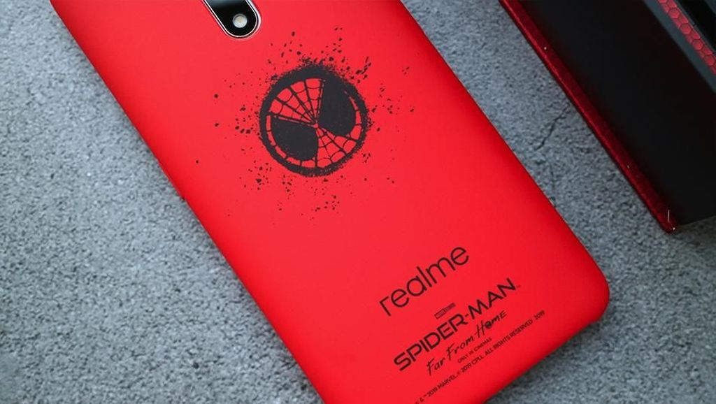 Wow! Ada Spider-man di Ponsel Premium Realme X