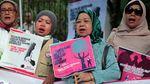 Aksi Emak-emak Geruduk Kediaman Prabowo di Kertanegara