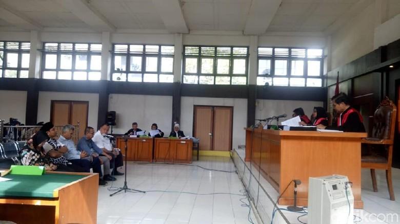 5 Komisioner KPU Palembang Bantah Dakwaan Hilangkan Hak Pilih Warga