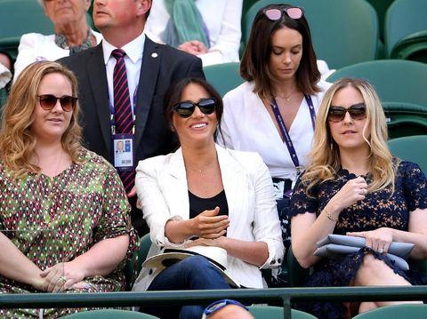 Momen Meghan Markle nonton Wimbledon bersama dua temannya di area Royal Box.