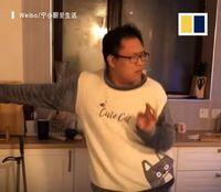 Suami Idaman! Pria Ini Suka Joget Sambil Masak dan Bersih-bersih Rumah