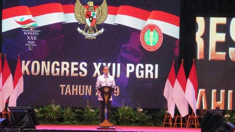Jokowi Minta Guru Inovasi: Ruang Kelas Bukan Satu-satunya Tempat Belajar