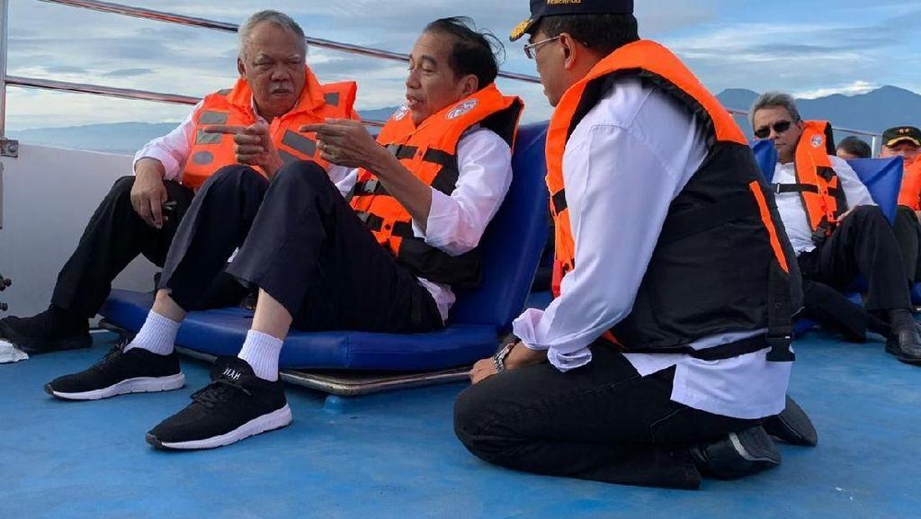 Gaya Jokowi Ambil Keputusan Kembangkan Sulut dari Atas Speedboat