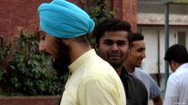 Di Jerman Orang Berserban Penganut Sikh Wajib Pakai Helm