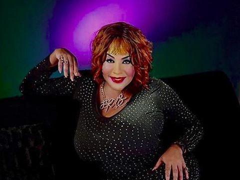 Transgender  berwajah rusak setelah operasi plastik di acara Botched