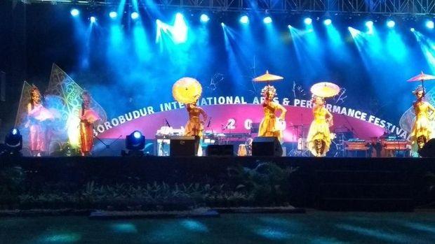 Meriahnya Borobudur International Arts and Performance Festival 2019