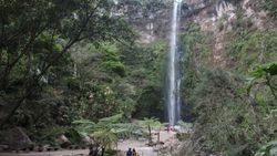 Celebrity on Vacation: Melepas Penat di Air Terjun Coban Rondo