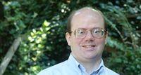 Pendiri Wikipedia Kritik Pedas Facebook dan Twitter