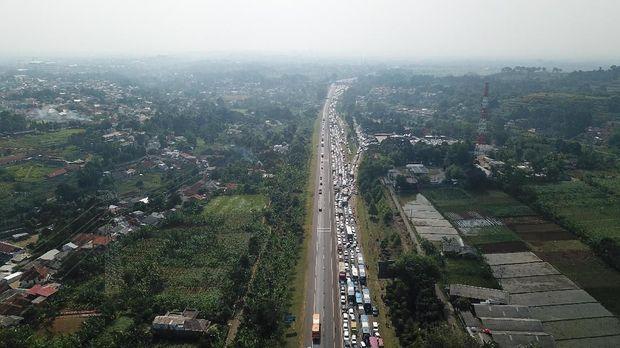 Kemacetan panjang di Tol Jagorawi arah Bogor