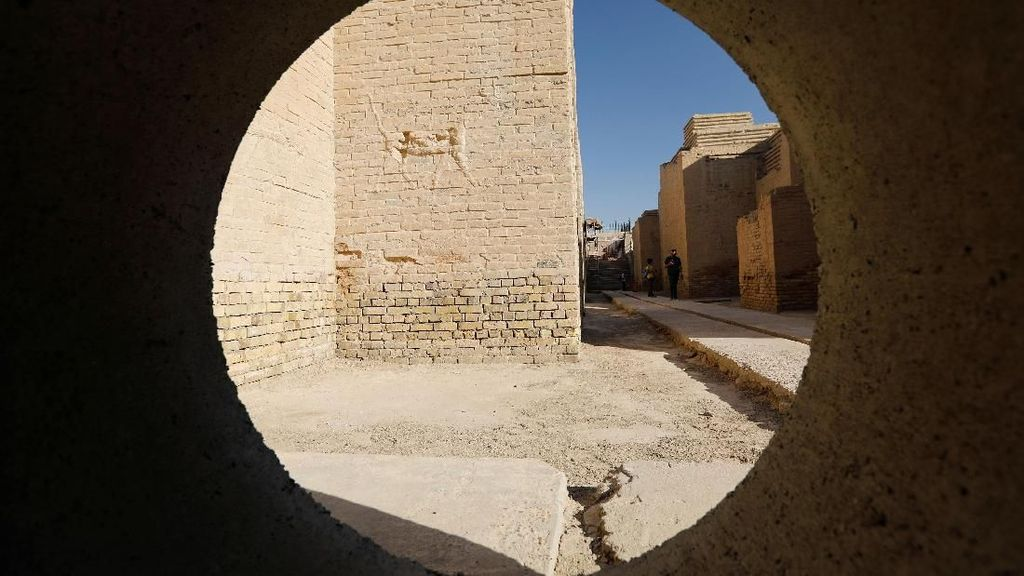Melacak Jejak-jejak Peradaban di Kota Kuno Babilonia Irak