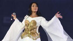 Setelah 20 Tahun, Anggun Tembus 10 Besar Billboard Lagi