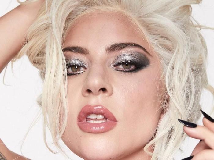 Bikin Pangling Netizen Lady Gaga Tampilkan Kulit Asli Di Iklan