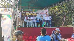 Ribuan Peserta Funbike di Bojonegoro Deklarasi Indonesia Bersatu