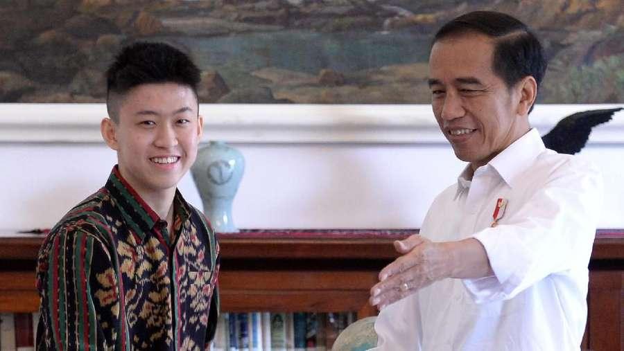 Salaman dengan Jokowi, Rich Brian Malu-malu