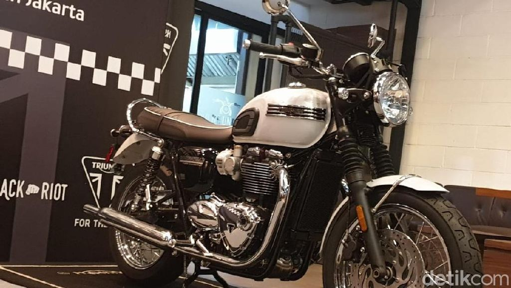 Pengendalian Barang Mewah Bikin Motor Triumph Inden 2 Bulan