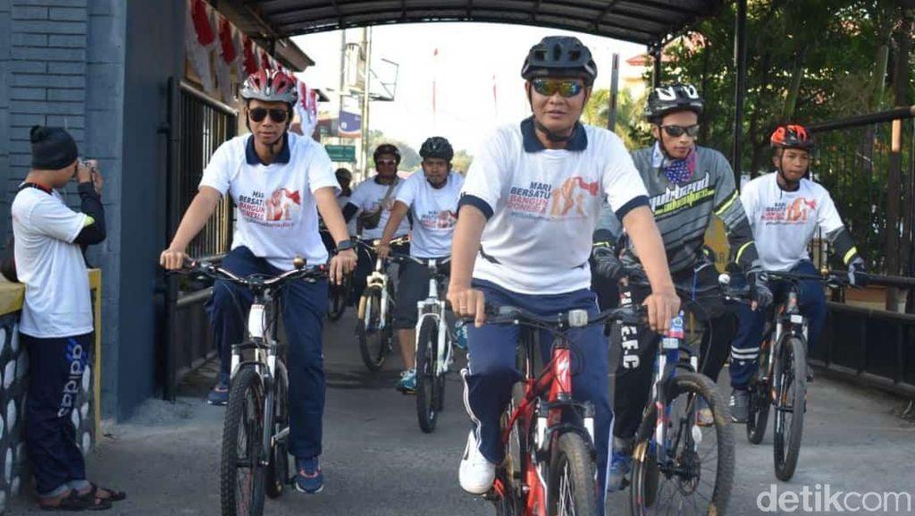 Rajut Perdamaian Usai pemilu dan Putusan MK, Warga Probolinggo Gowes Bareng