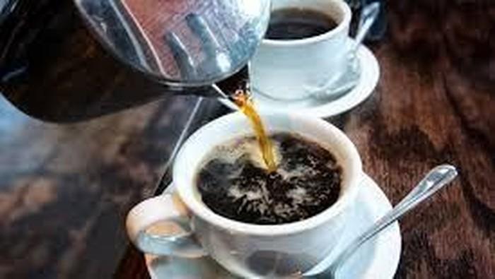 kopi panas dan kopi dingin