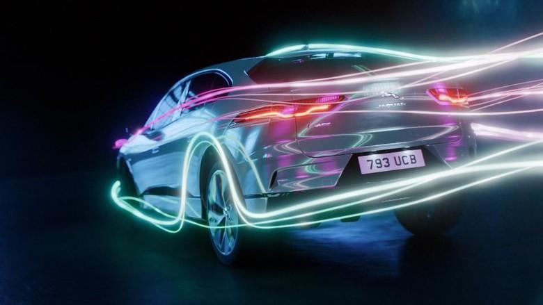 Jaguar XJ listrik Foto: Pool (Autoevolution)