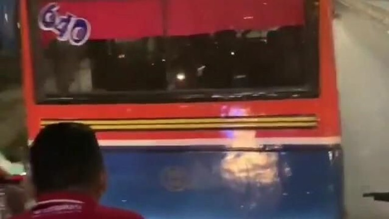 Polisi Cari Sopir Metromini yang Adang Transjakarta di Pasar Minggu