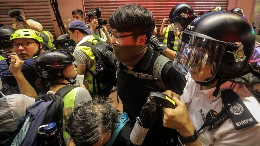 Polisi Hong Kong Tangkap 6 Orang dalam Unjuk Rasa Terbaru