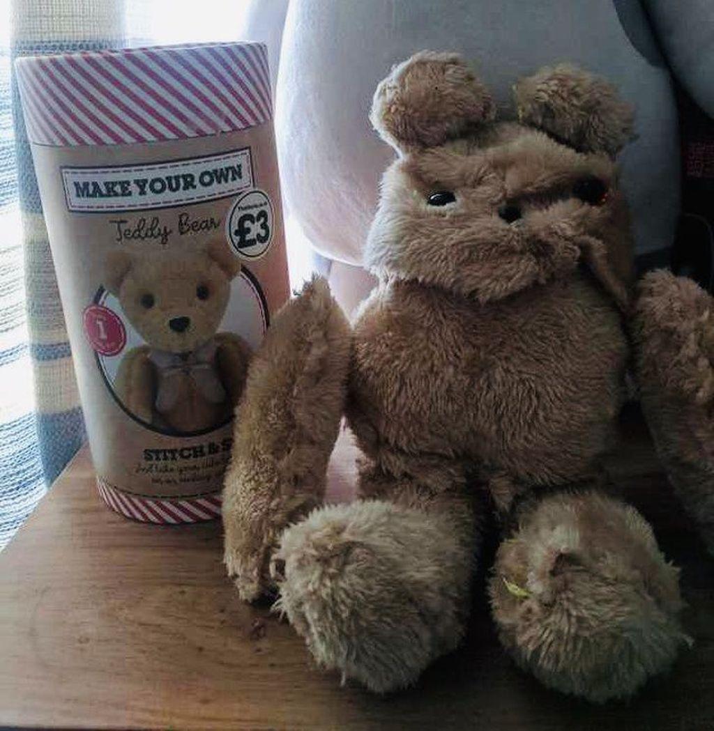 Berharap boneka beruang yang imut dan lucu, nyatanya kok malah seram dan sangar. (Foto: Reddit via Brightside)