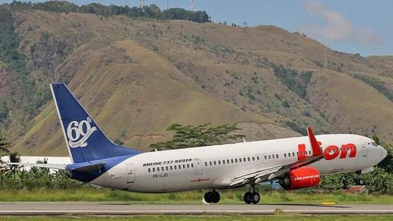 Lion Air tipe Boeing 737-900ER di Bandar Udara Sentani, Jayapura (Yogi Pradnya Yudha/Lion Air/Istimewa)