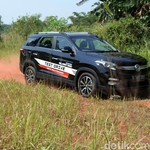 Review DFSK Glory 560, Pesaing Toyota Rush