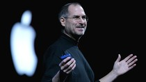 Tim Cook Kenang Steve Jobs Lewat Postingan Twitter