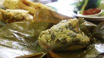 Sedapnya Botok Ikan Nila dan Patin yang Gurih Dicocol Sambal Bawang