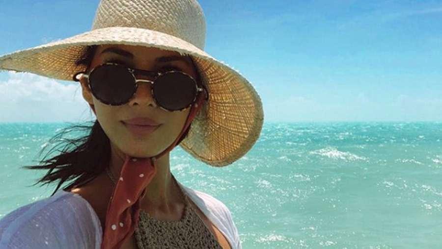 Ulang Tahun, Olivia Munn Pamer Foto Seksi hingga Naik Kuda di Pantai