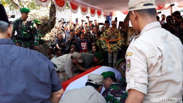 Mengantar Kepulangan Sutopo, Pejuang Kemanusiaan Tak Kenal Lelah