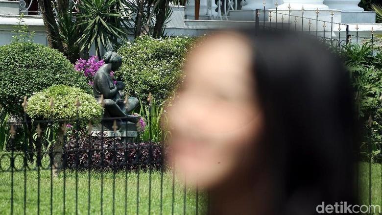 Karya Seni Patung dan Lukisan Hiasi Istana Bogor