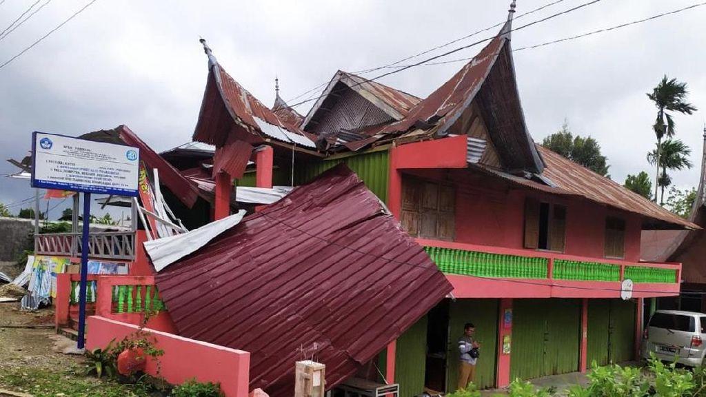 Puting Beliung Terjang Agam Sumbar, 6 Bangunan Rusak