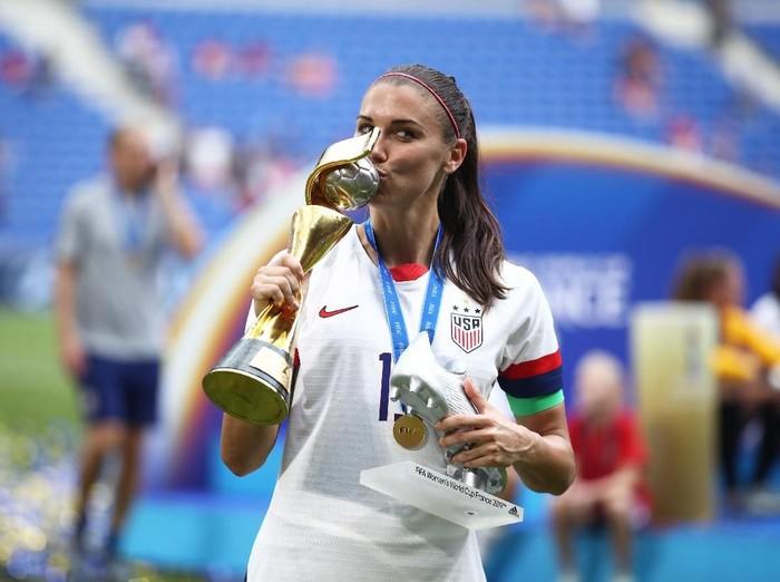 Alex Morgan merayakan kemenangan timnas AS di Piala Dunia Wanita 2019. (Foto: Getty Images)
