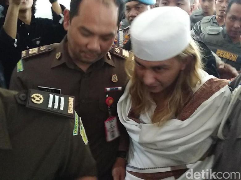 Divonis 3 Tahun Penjara, Habib Bahar Tetap Ditahan