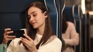 Suka Dengar Musik di MRT? Wajib Coba Earphone Sony Satu Ini!