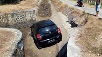 Mobil ini Masuk Parit di Boyolali, Siapa Pemiliknya?