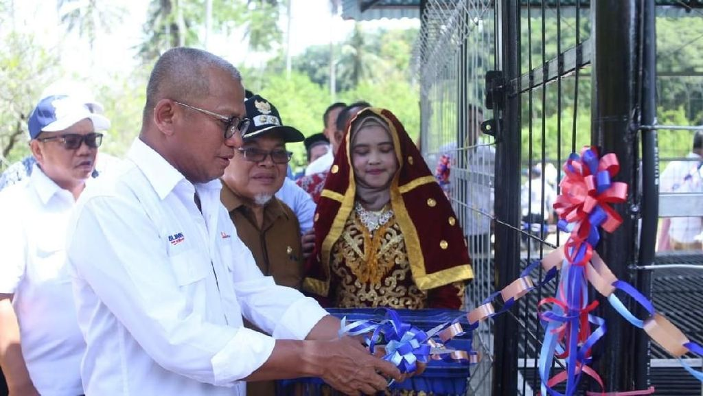 PTBA Beri Bantuan Pompa Air hingga Bus Sekolah untuk Warga Sumbar