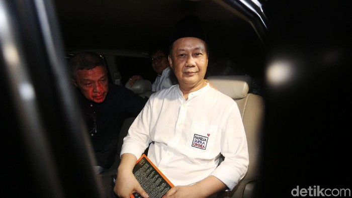 Mantan Ketua Badan Penyehatan Perbankan Nasional (BPPN) Syafruddin Arsyad Temenggung keluar dari rumah tahanan (rutan) KPK, Selasa (9/7/2019). Syafruddin dilepas berdasarkan putusan kasasi Mahkamah Agung (MA) yang diajukannya terkait perkara dugaan korupsi dalam penerbitan Surat Keterangan Lunas Bantuan Likuiditas Bank Indonesia (SKL BLBI).